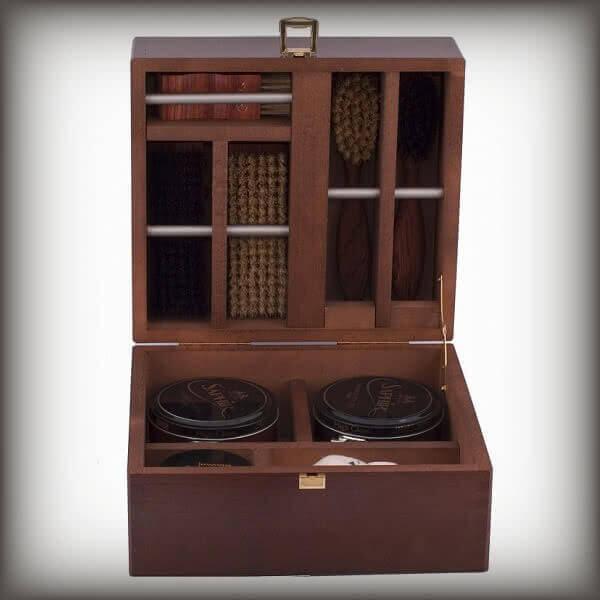 Vignette Editor Shoecare.ro - Cele mai bune produse si accesorii pentru ingrijirea pantofilor. Alege sa redai stralucirea papuci